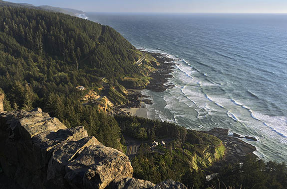 OR: North Coast Region, Lincoln County, Pacific Coast, Yachats Area, Cape Perpetua National Scenic Area, Cape Perpetua Overlook, View. [Ask for #278.134.]
